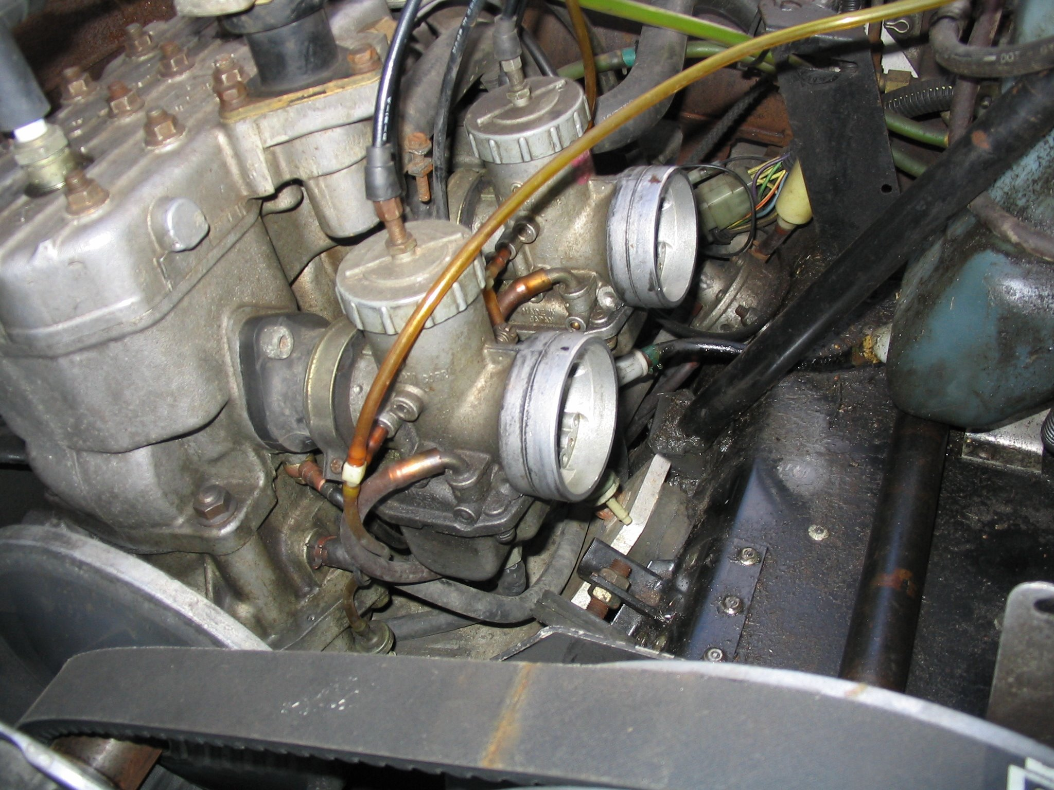 motor_bay_noairbox disassembly and cleaning of a mikuni round slide carburetor